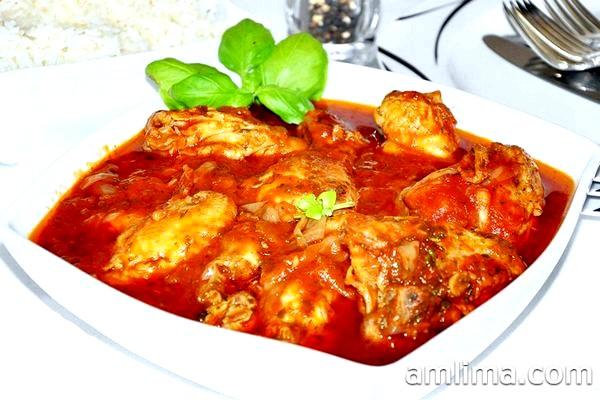 Як готувати чахохбілі з курки - 3 смачні рецепта грузинського блюда