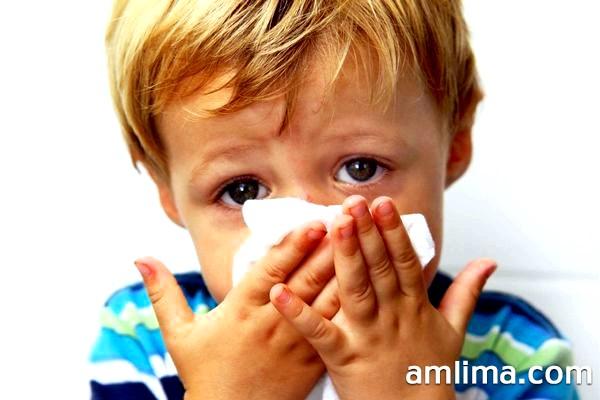Дізнайтеся, як вилікувати нежить у дитини!