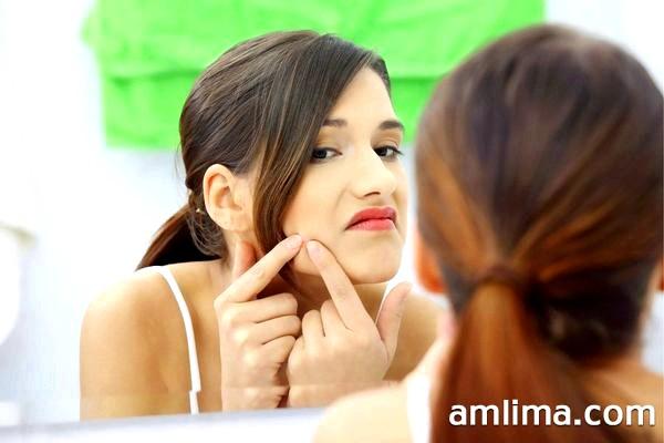 Як вилікувати прищі на обличчі: боремося з причиною, а не наслідком