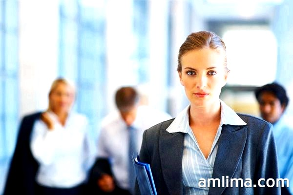 Жіночі костюми для офісу & ndash; привабливість чи дрес-код?