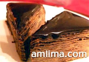 Млинцевий торт з начинкою з шоколаду