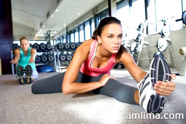 Вправи на розтяжку і гнучкість для початківців - поради і комплекси для ніг і спини