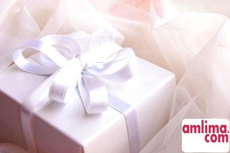 подарунок на весілля