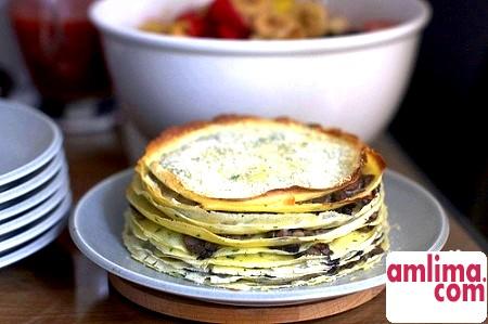 Млинцевий торт з грибами і куркою - рецепт чудовою закуски