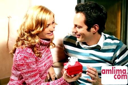 Що подарувати на ювілей чоловіка: секрети правильного подарунка