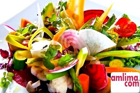 Феєрверк смаку: салат з брокколі та цвітної капусти