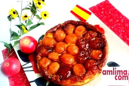 смачний пиріг з яблуками та карамеллю