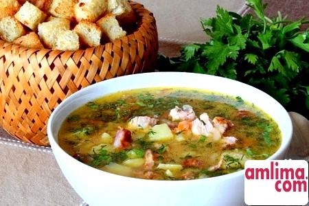 Гороховий суп з копченостями: рецепт з давньою історією