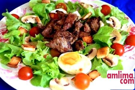 Готуємо корисну їжу: салат із сирих печериць