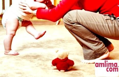 Ходунки та стрибуни дитячі - «За» і «Проти»