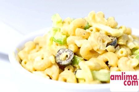 Італійський салат з макаронами: кращі рецепти в вашу кулінарну скарбничку