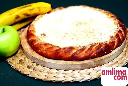 Яблука і банани - смачна начинка для пирога