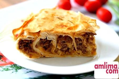 смачний м`ясний пиріг
