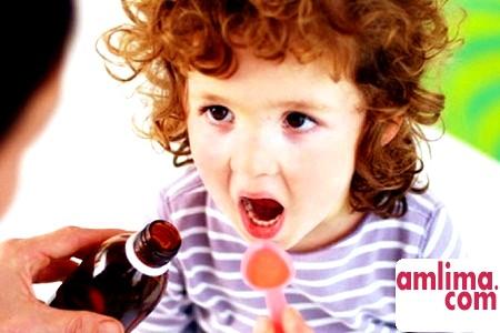 Як дати дитині ліки?