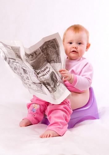 Як і у скільки місяців привчати малюка ходити на горщик