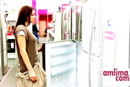 як позбутися від неприємного запаху в холодильнику