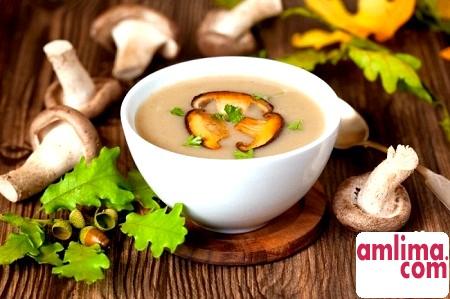 смачний грибний суп - пюре