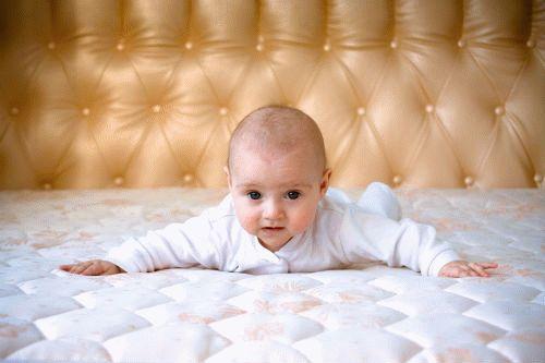 Як правильно вибрати матрац для новонародженої дитини