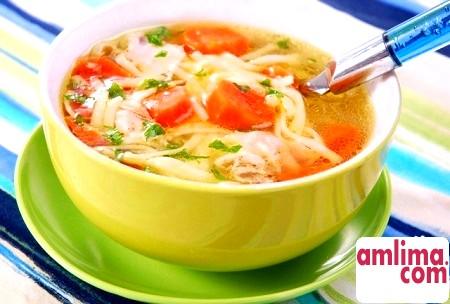 Як приготувати курячий суп з вермішеллю?