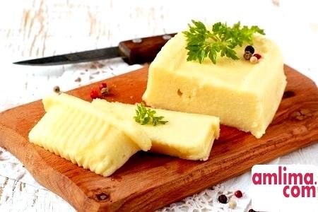 Як зробити плавлений сир у себе вдома
