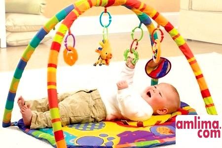 Як зробити розвиваючий килимок для дітей