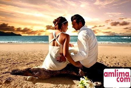 Як веде себе закоханий чоловік з дамою свого серця?