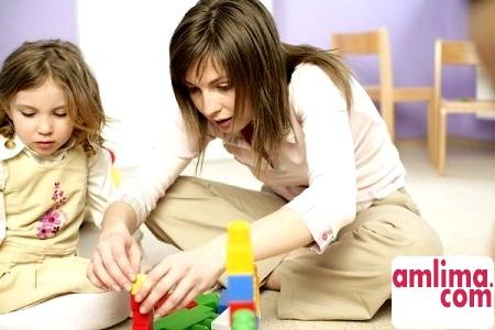 Як вибрати няню для дитини?