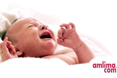 кишкові кольки у новонароджених