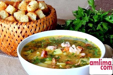 Класичний рецепт: гороховий суп з копченими реберцями