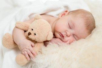 Коли діти починають спати всю ніч
