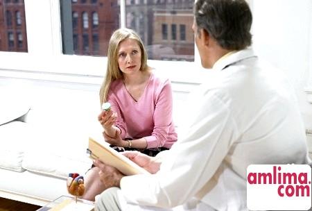 Кров'яні виділення на ранніх термінах вагітності - терміново до лікаря!