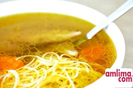 курячий суп з локшиною