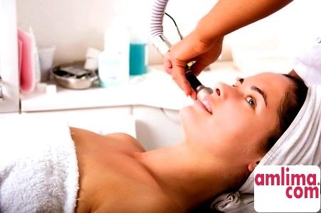 Лазерний пілінг: омолодження та видалення дефектів шкіри