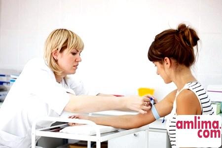 консультація у лікаря для вибору лікування