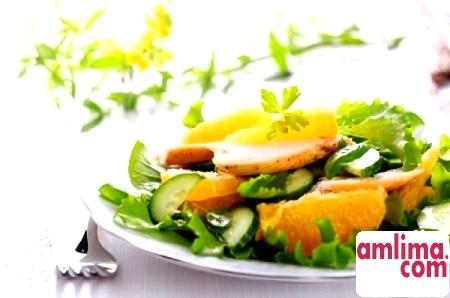 салат з куркою і апельсином