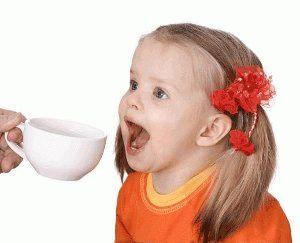 Чи можна маленьким дітям давати чай? Коли і які чаї можна починати давати?