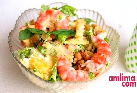 смачний салат з сьомгою і креветками