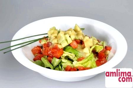 салат на швидку руку з авокадо