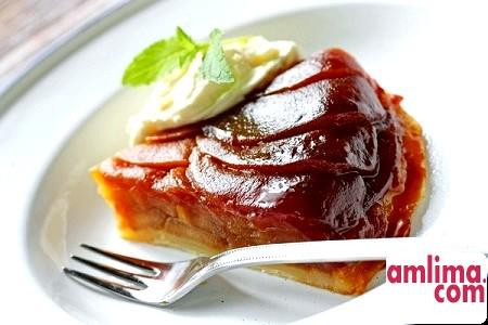 Невимовна легкість буття: пиріг-перевертиш з яблуками