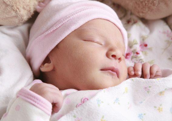 Новонароджена дитина погано спить вдень - чому і що робити?