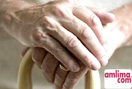 Самотність у старості: як не залишитися на бобах?