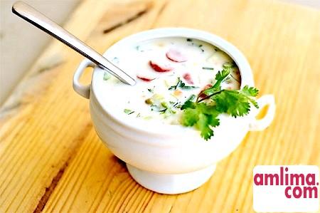 Окрошка на кефірі: рецепт холодного супу за десять хвилин