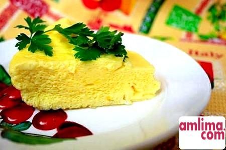 Омлет без молока: ніжне досконалість на сніданок