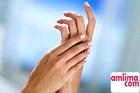 оніміння пальців лівої руки