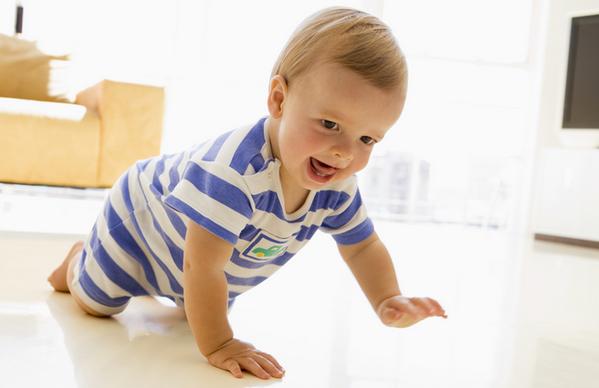 Основні навички та вміння дитини в сім місяців
