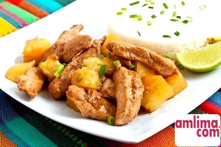 Основи приготування курки з ананасами в духовці