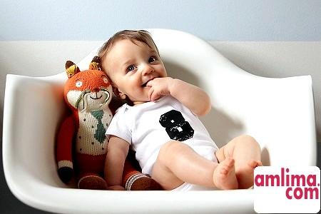 Особливості розвитку дитини в 8 місяців