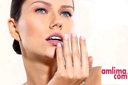 Як зняти нарощені нігті вдома?