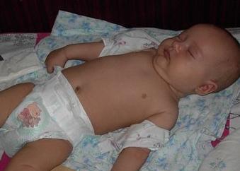 Отучаем малюка від сповивання