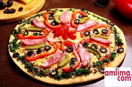 Піца:рецепт з ковбасою, з куркою, з фаршем, піца асорті